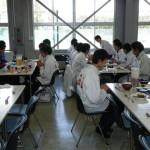 学食で昼食