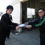 加藤誠也にOB会から記念品の授与