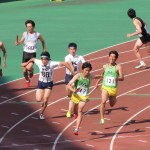 4×100mR予選 3走金子より4走山田へバトンパス