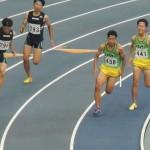 4×100mR予選        3走舛田から4走福島へバトンパス