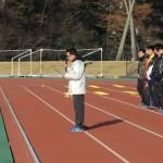 開会式 司会の松高陸上競技部OB会事務局長の野澤憲幸さん