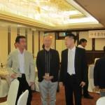 今回初めて大沢知宏君(右:高40回)が出席してくれました